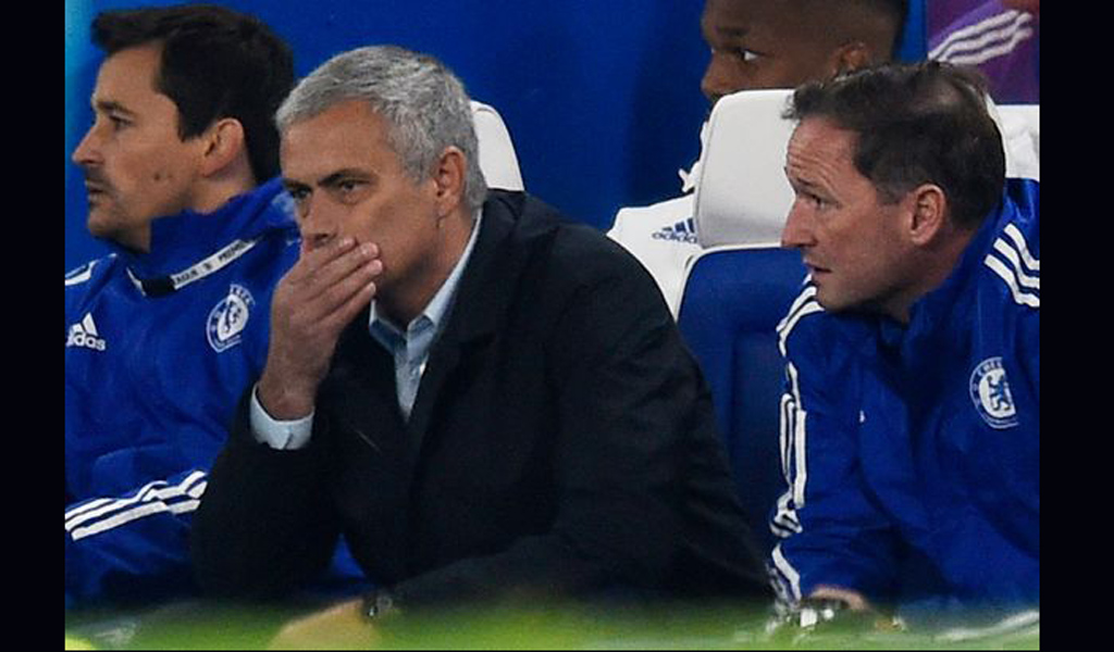 Chelsea back Jose Mourinho in public vote of confidence after nightmare start to the season