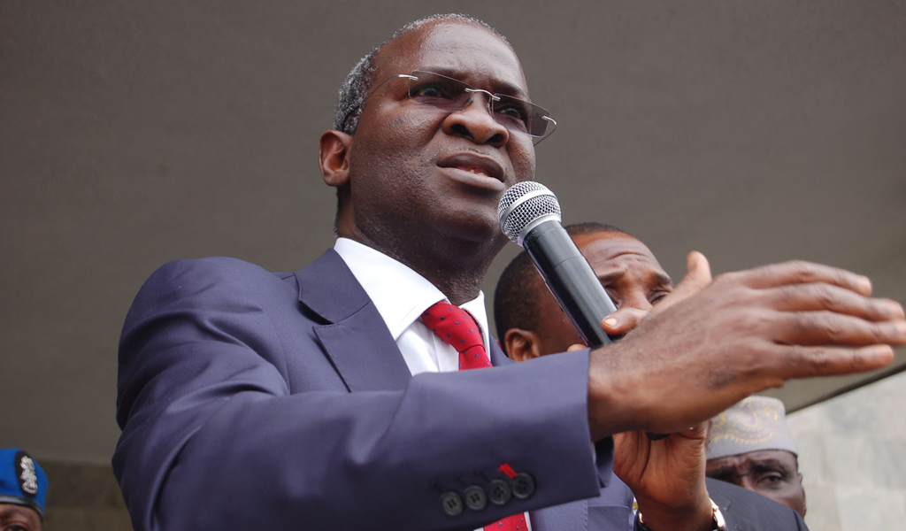 Fashola Urges Oshiomhole To Complete Ongoing Projects